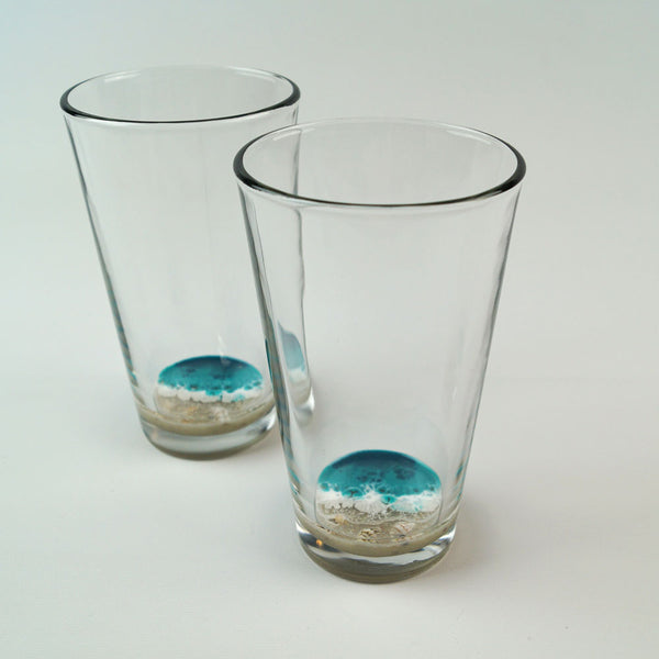 2 Resin Pint Glasses - Tropical Lagoon