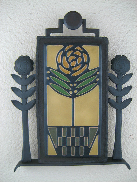Arts & crafts Motawi checkerpot rose tile plaque in wrought iron - Bushere & Son Iron Studio Inc.