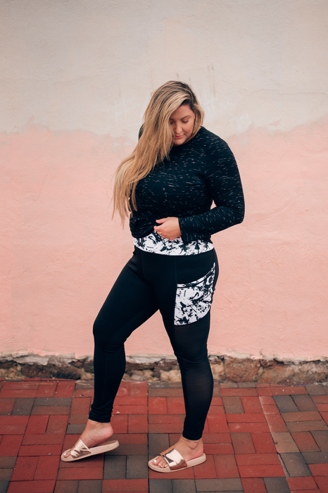 Black + White Abstract Strokes Active 2 Leggings