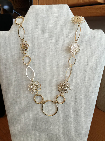 Necklaces - Filigree Gold And Hoops Necklace - Gold Plated