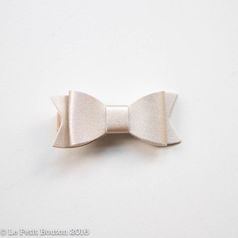 "AW16 Faux Leather Bow Clip ""Gracie"" Soft Gold"
