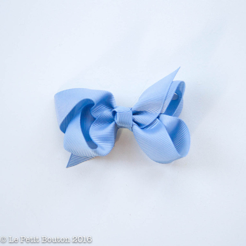 "Small Ribbon Bow Hairclip ""Mercedes"" Airy Blue - Le Petit Bouton"