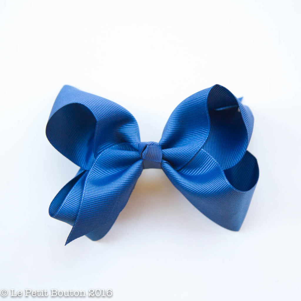 "Medium Ribbon Bow Hairclip ""Isla"" Light Navy - Le Petit Bouton"