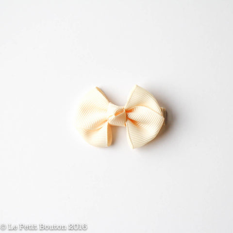"SS17 Petit Bow Clip ""Renee"" Buttermilk"