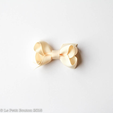 Petit Grosgrain Ribbon Bow Clip - Buttermilk