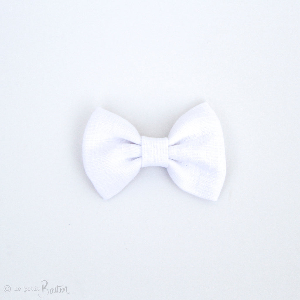 Christmas Large White Linen Bow Hair Clip - Crisp White