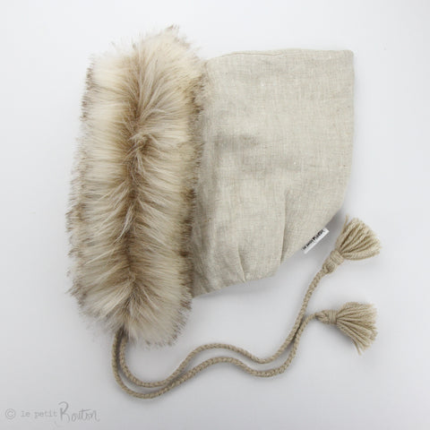 W20 Pixie Hood - Natural Oaten with Sable Fur
