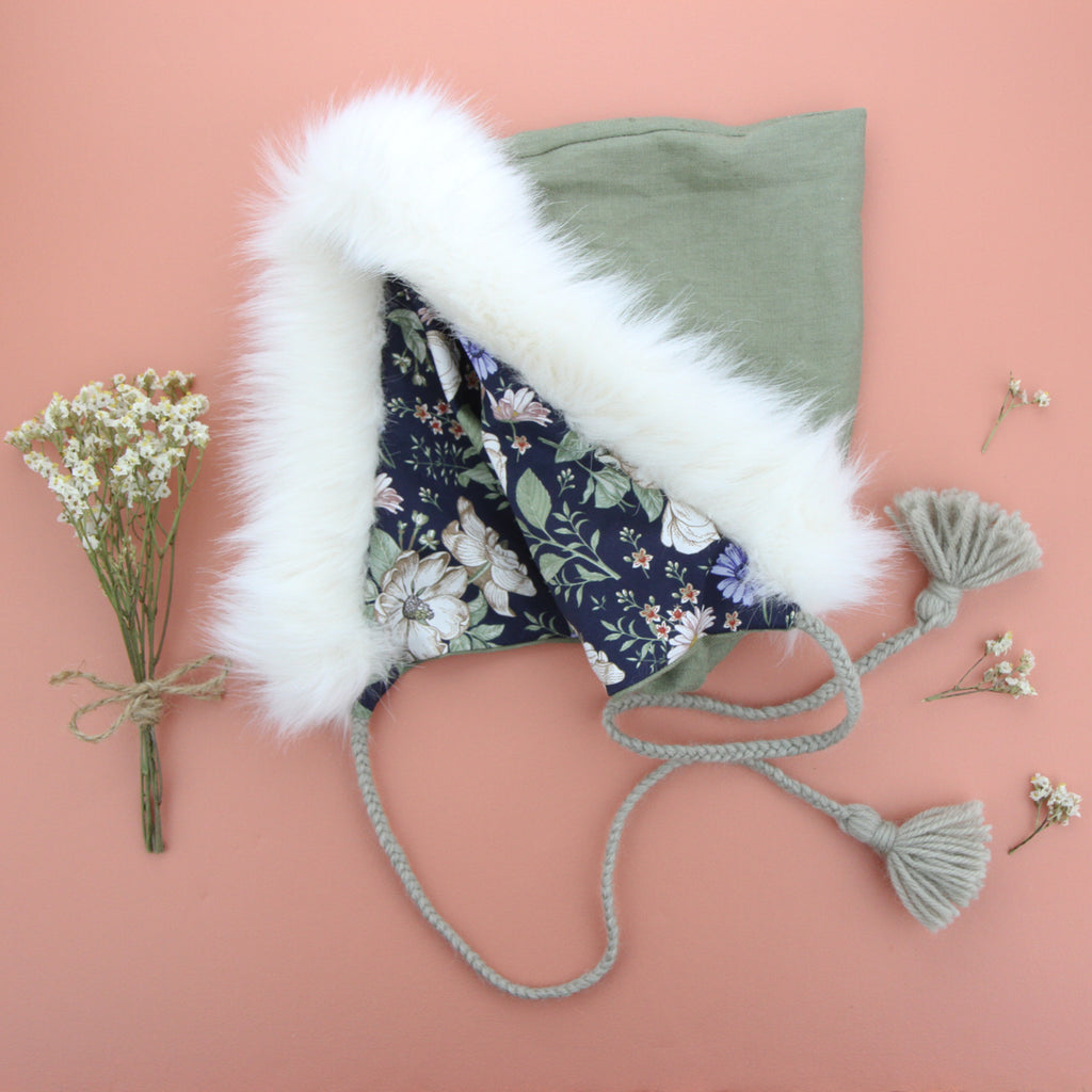 W20 Pixie Hood - Sage Linen with Ivory Fur