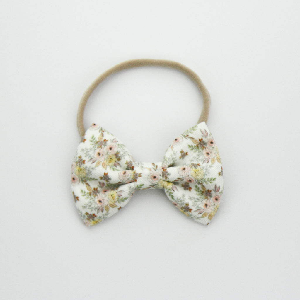 W20 Large Linen Bow on Nylon Headband - Exclusive Daphne