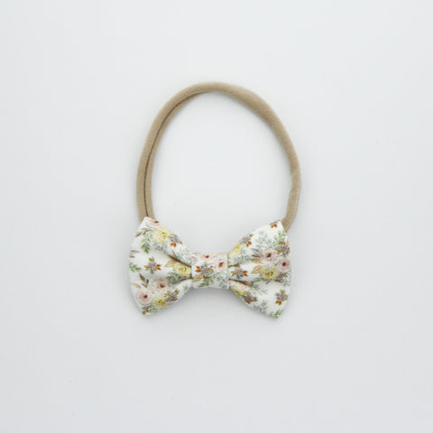 W20 Small Linen Bow on Nylon Headband - Exclusive Daphne