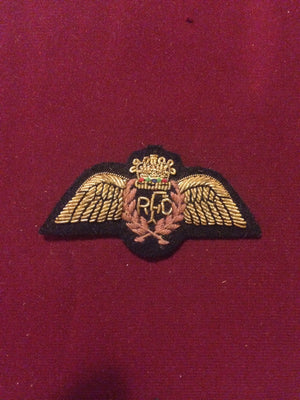 Royal Flying Corps Cap badge (brown)