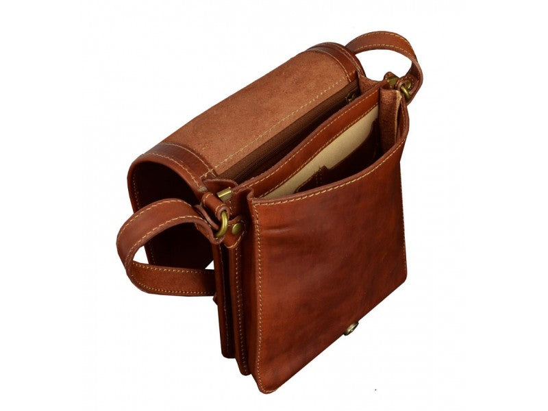 Brown Leather Messenger Bag - On The Road for Men and Women by Time Resistance on Jetset Times SHOP