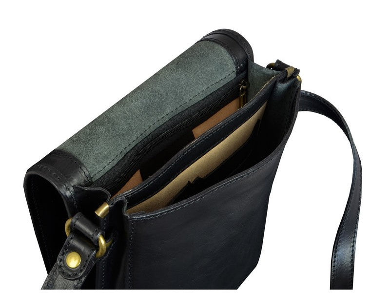 Black Leather Messenger Bag - On The Road for Men and Women by Time Resistance on Jetset Times SHOP