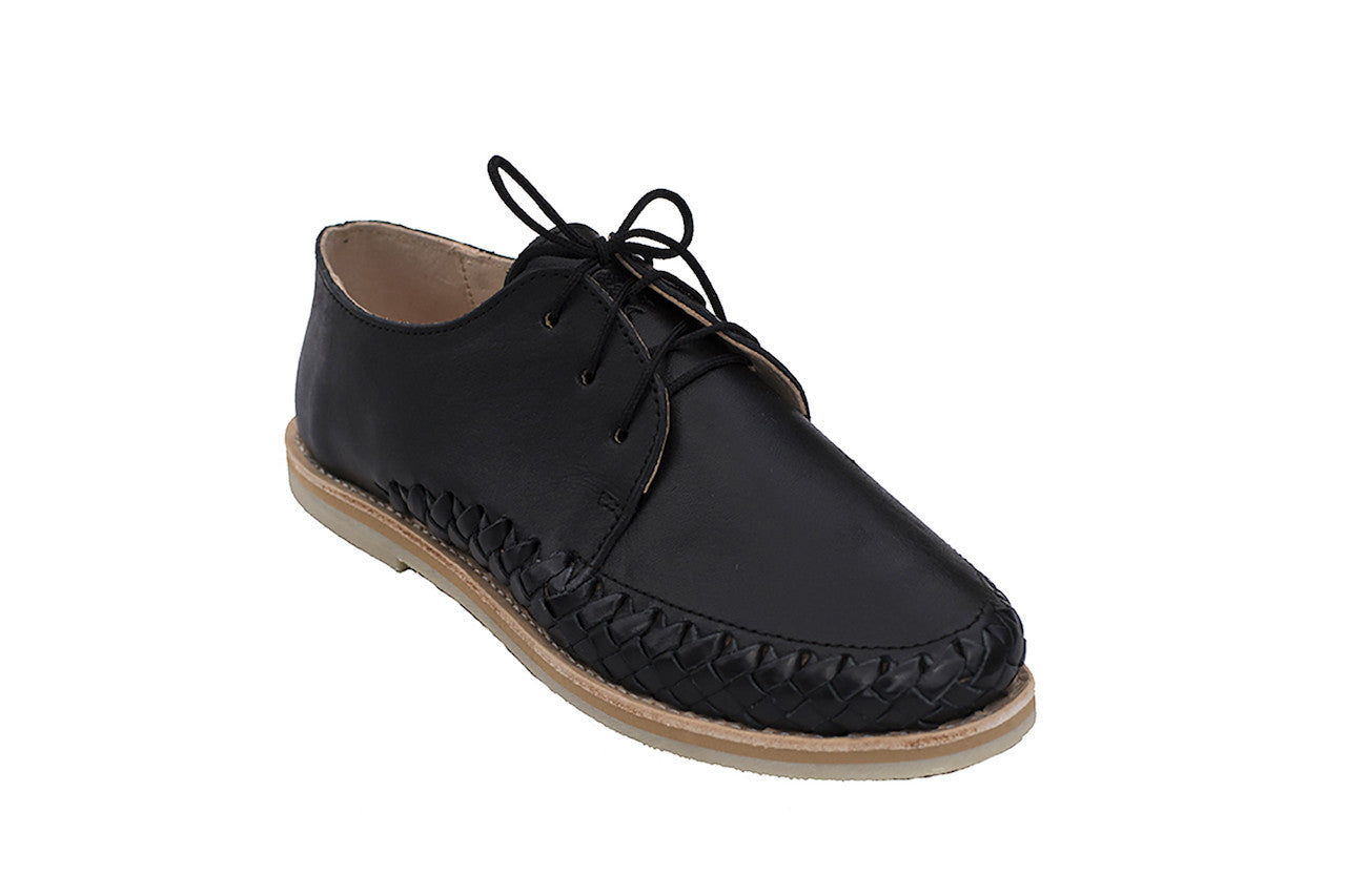 Casual Leather Shoes - Sayulita for Men and Women in Black by TapatÌ_a on Jetset Times SHOP