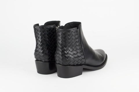 Women's Black Leather Ankle Boots - TAPALPA