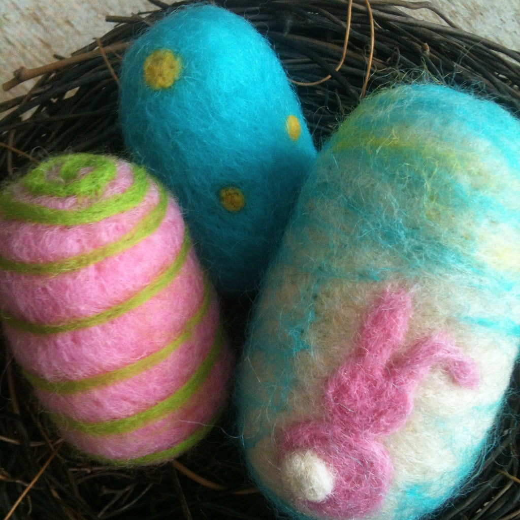Needle Felted Easter Egg Kit - Happy Hedgehog Post - 1