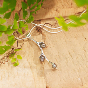 Willow Bud Pearl Sterling Silver Necklace