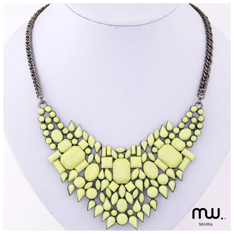 Collar statement neon figuras chicas geometricas