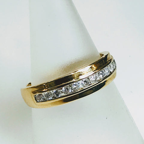 .50 CT TW Diamond Gold Band - Size 10