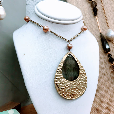Mother of Pearl Pendant on Pearl Station Necklace