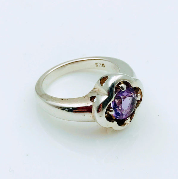 """Quatrefoil Cutie"" - Amethyst Sterling Silver Ring - Size 7"