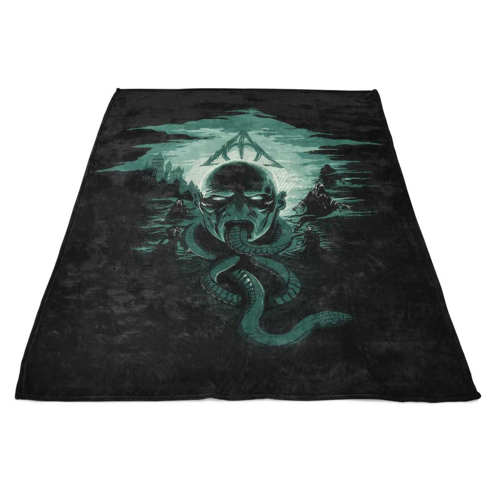 Deadly Moon - Fleece Blanket