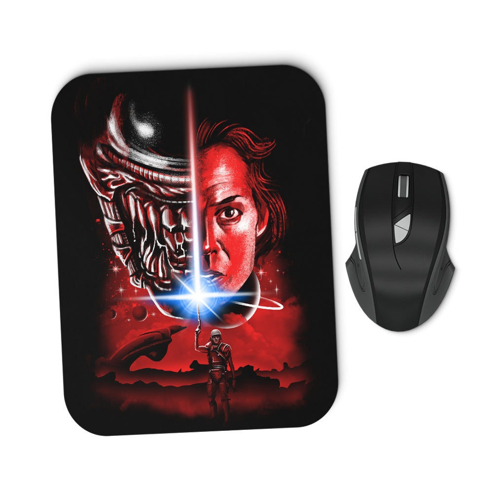 The Last Alien - Mousepad