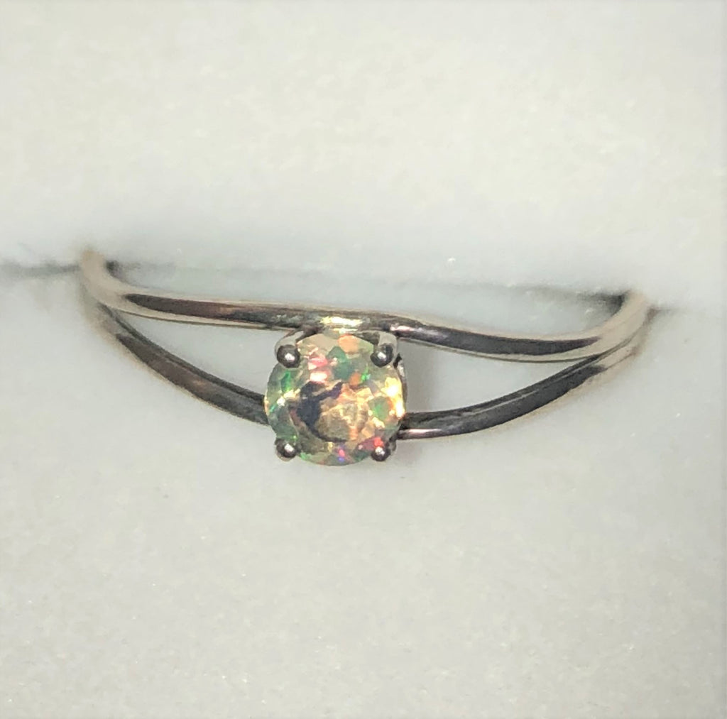 Green crystal Ethiopian opal silver ring