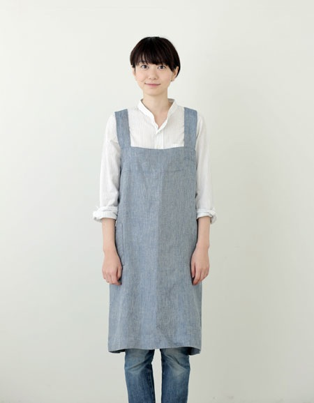 FOGLINENWORK LINEN SQUARE CROSS APRON BLUE CHAMBRAY - Eclectic Cool
