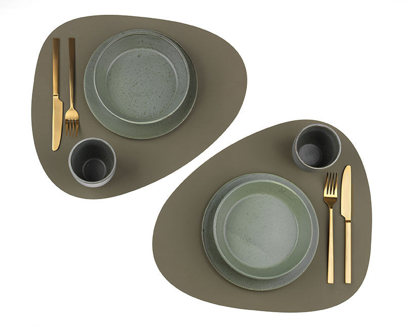 LINDDNA TABLE MAT CURVE L ARMY GREEN/NUPO