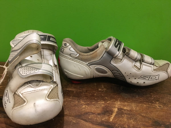 Sz 38 Bike Shoe