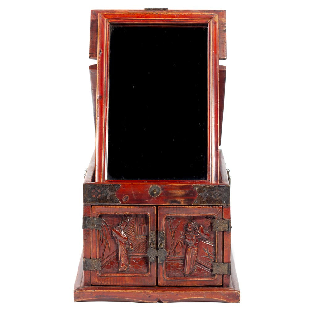 Jewelry box with figure carving
