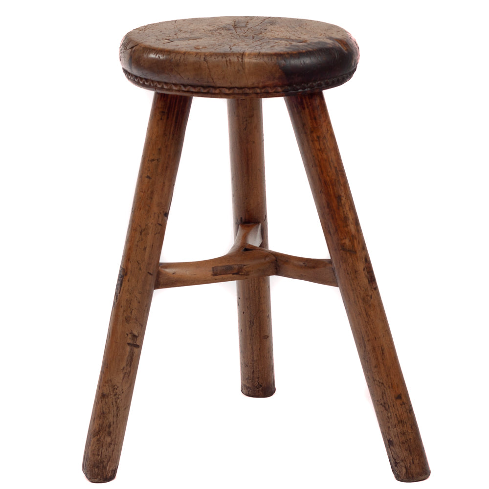 Three leg drum form stool