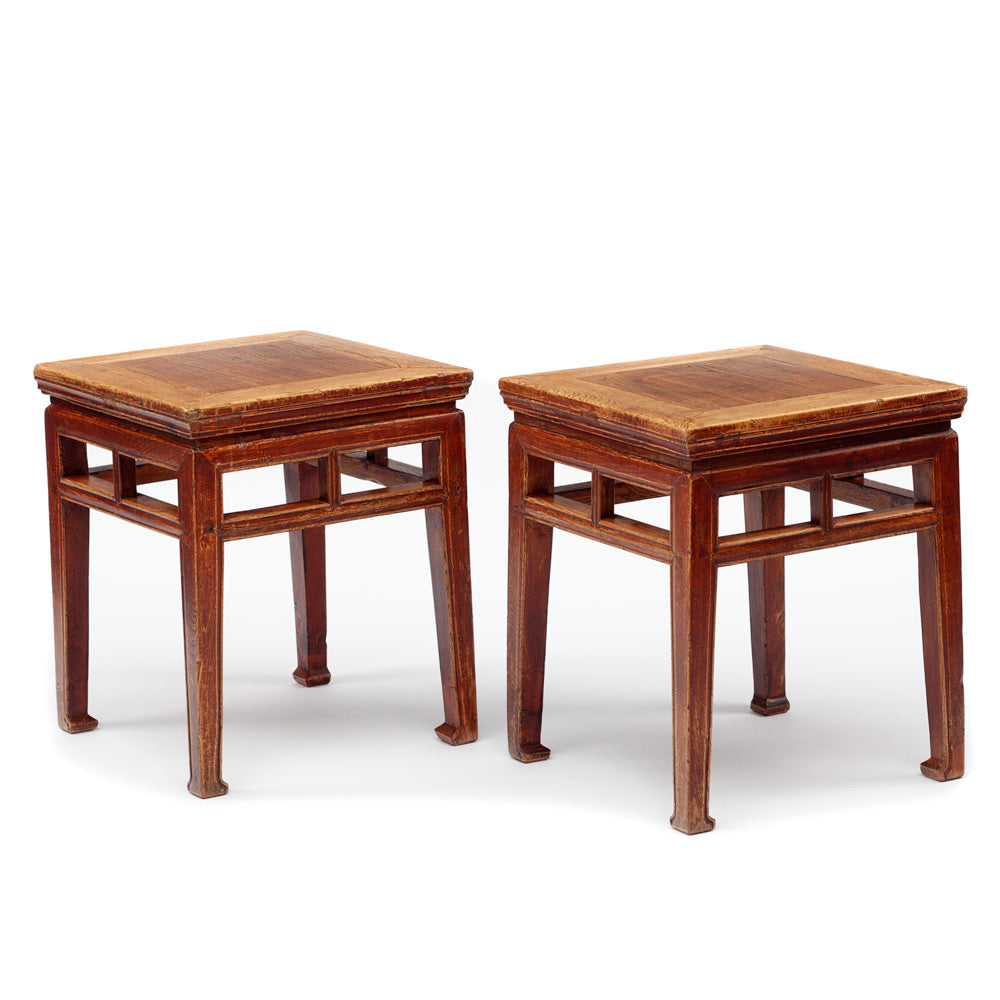 Square stools with vertical supports