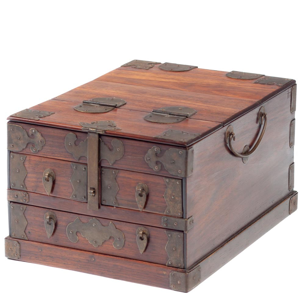 Three drawer jewelry box