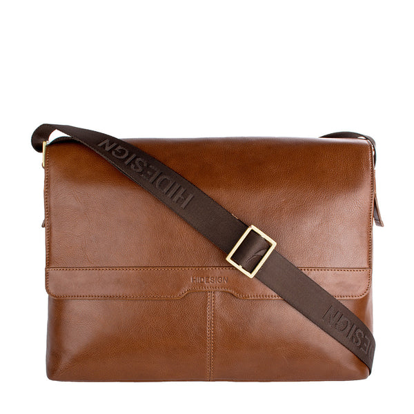 Helvellyn Medium Leather Messenger