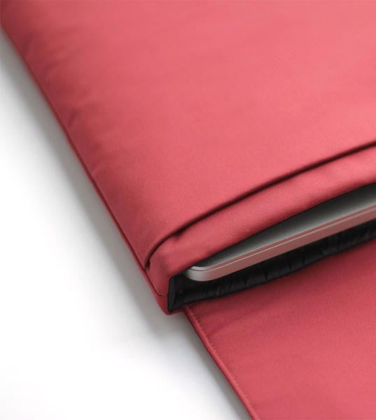"Folder Case 15"" Red Macbook Pro with Touch Bar"
