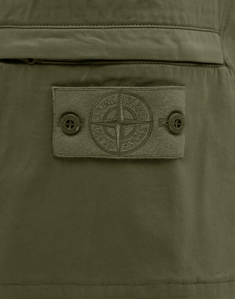 L06F2 GHOST PIECE Bermuda Shorts in Military Green