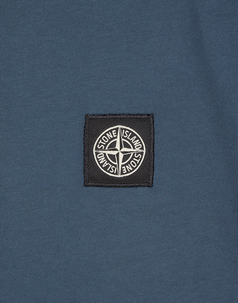 24141 Small Logo Patch T-Shirt in Blue