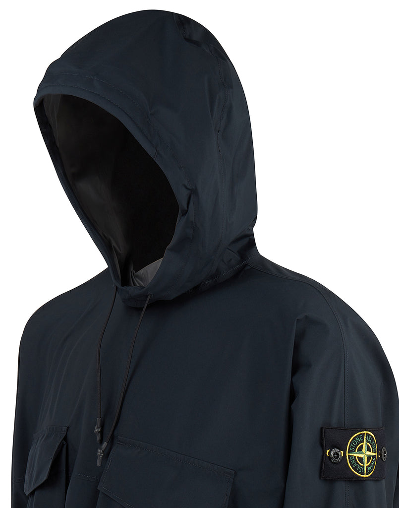 70620 GORE-TEX WITH PACLITE PRODUCT TECHNOLOGY Jacket in Navy Blue