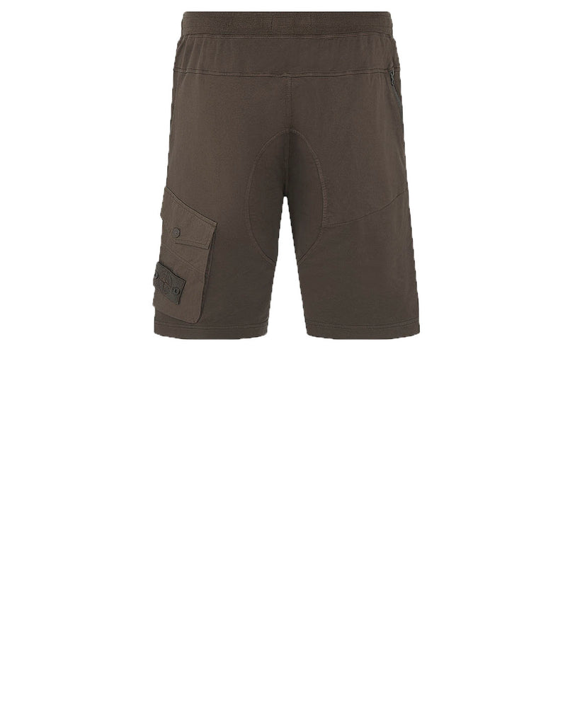 650F3 GHOST PIECE Shorts in Military Green