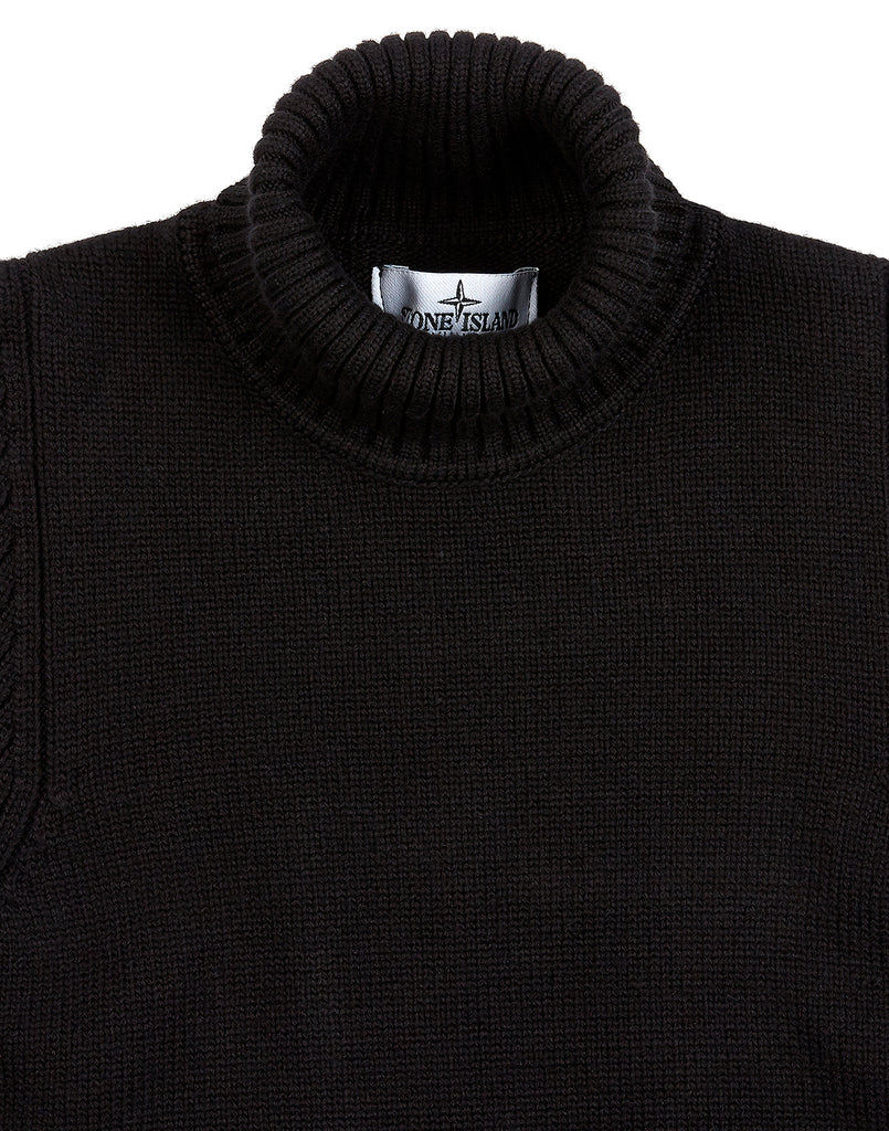 504A2 Knitwear in Black