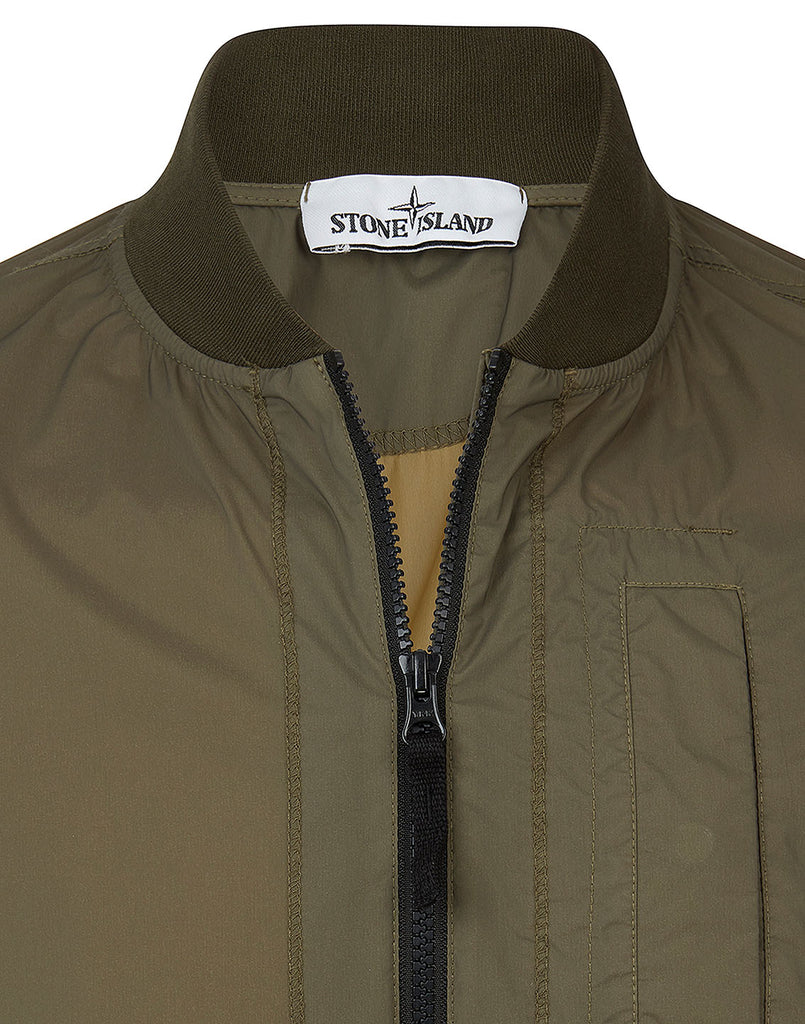 44431 SKIN TOUCH NYLON-TC_PACKABLE Jacket in Olive