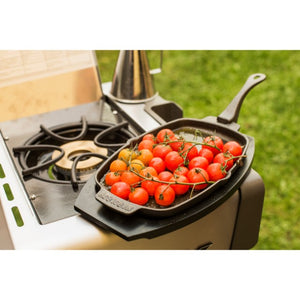 Napoleon Cast Iron Skillet with Wooden Base - Gardenbox