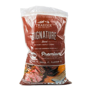 Traeger Signature Blend Wood Pellets 20LB Bag - Gardenbox