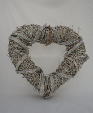 Shabby Chic Heart Shaped White Rattan Wreath - Gardenbox