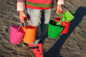 Children's Collapsible Scrunch Bucket - Ideal for the Beach Garden or Sandpit - Choice of Colours - Gardenbox