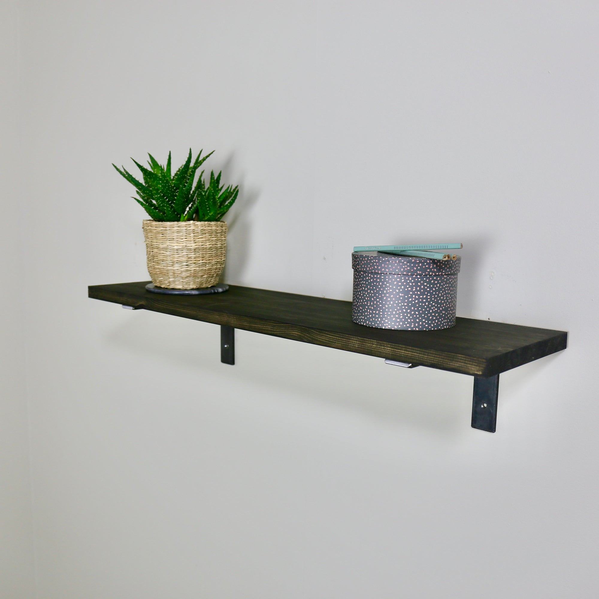 ZIITO H1 - Wood shelf with steel bracket below shelf