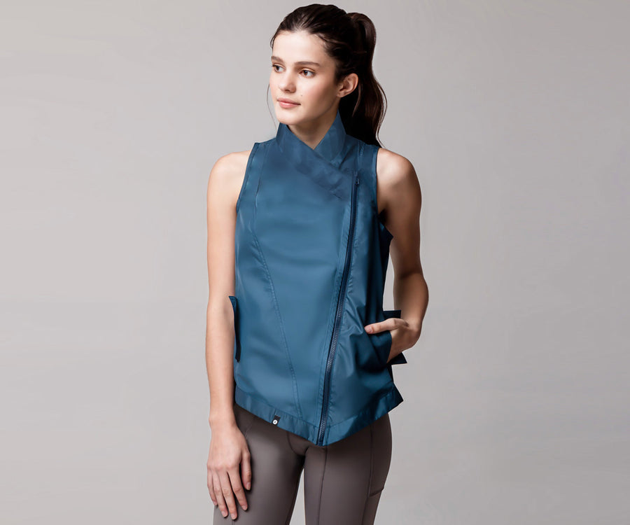 AQUAMARINE LIGHT SPORT VEST - Adrenalina AW | Luxury Activewear