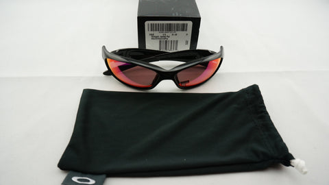 Oakley OO9039 26 236 Straight Jacket Sunglasses - Polished Black Frame - Polarized Red Iridium 61mm Lenses
